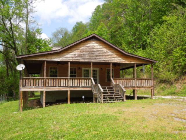 Featured Property in BUFFALO VALLEY, TN, 38548