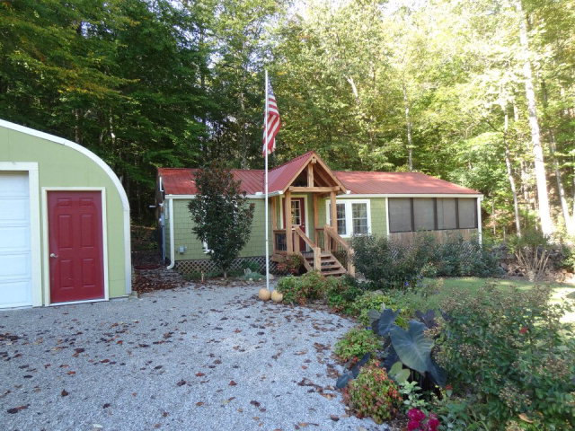 Featured Property in BYRDSTOWN, TN, 38549