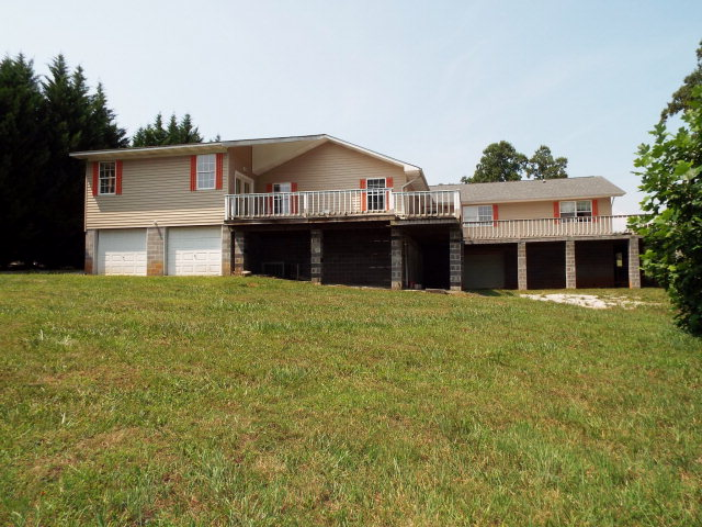 Featured Property in HARRIMAN, TN, 37748