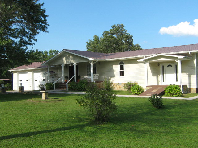 Featured Property in SPENCER, TN, 38585