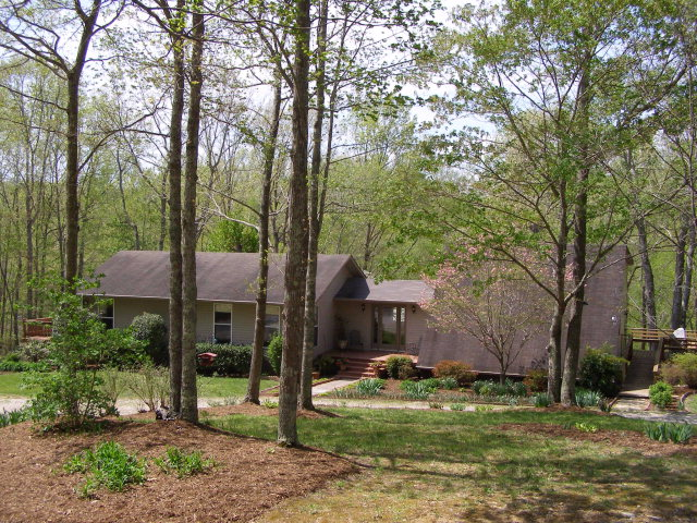 254 Joe Henley Road, Baxter, TN 38544