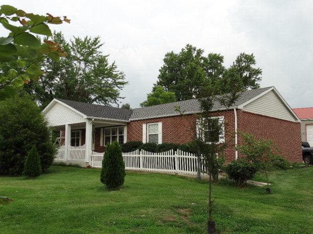 319 1st Avenue North, Baxter, TN 38544