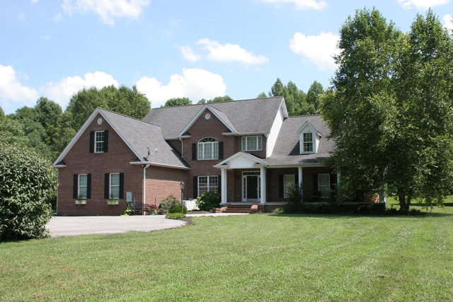 4045 Officers Chapel Road, COOKEVILLE, TN 38506
