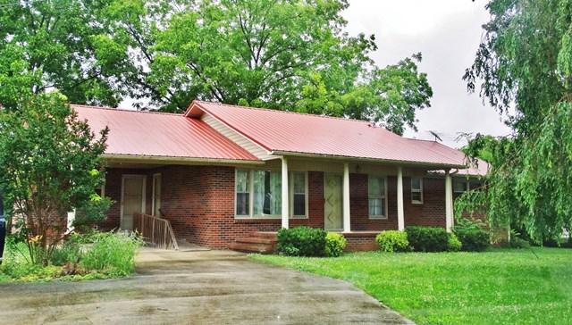 303 1st Avenue North, Baxter, TN 38544