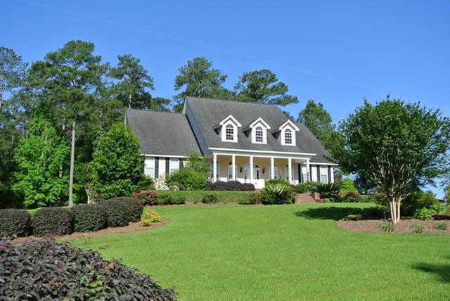 300 Fox Meadow Ln., Thomasville, GA 31757