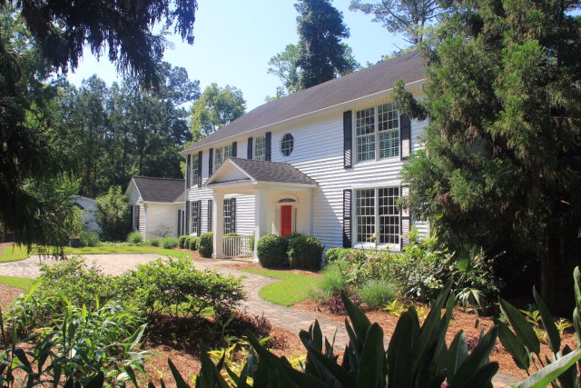 2410 Old Monticello Road, Thomasville, GA - Click here to find out more about this beautiful Thomasville home for sale