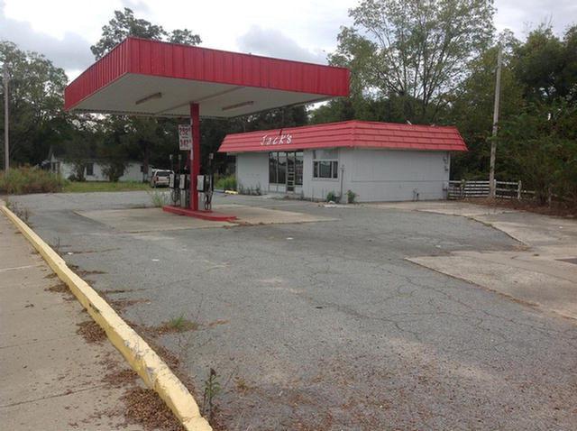 806 4th Ave NE, Moultrie, GA 31776