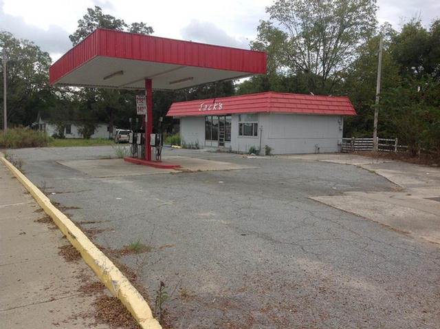 806 4th Ave NE, Moultrie, GA 31776