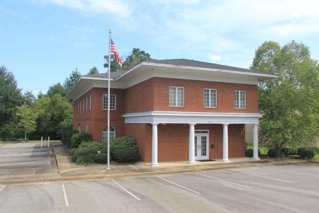 2012 Pinetree Boulevard E, Thomasville, GA 31792