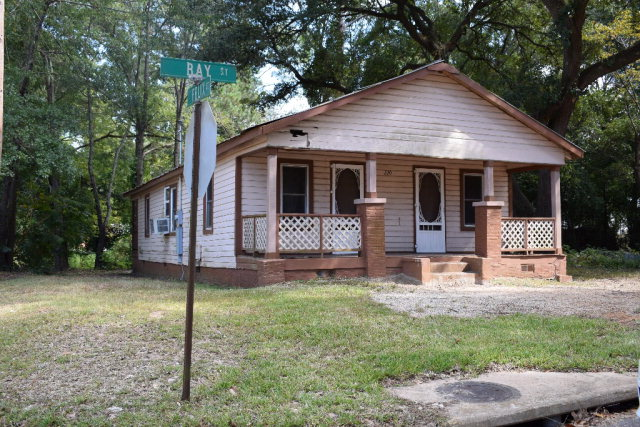 220 Bay Street, Thomasville, GA 31792