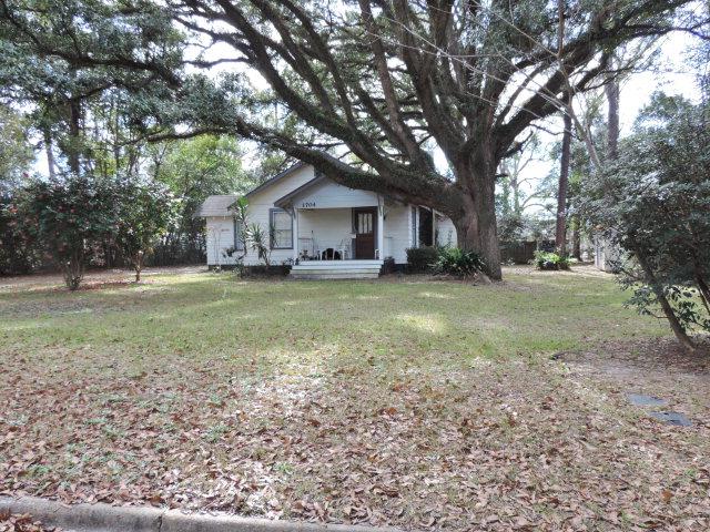 1704 Cogar Ave., Thomasville, GA 31792