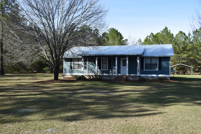 320 Lake Shore Dr., Thomasville, GA 31757