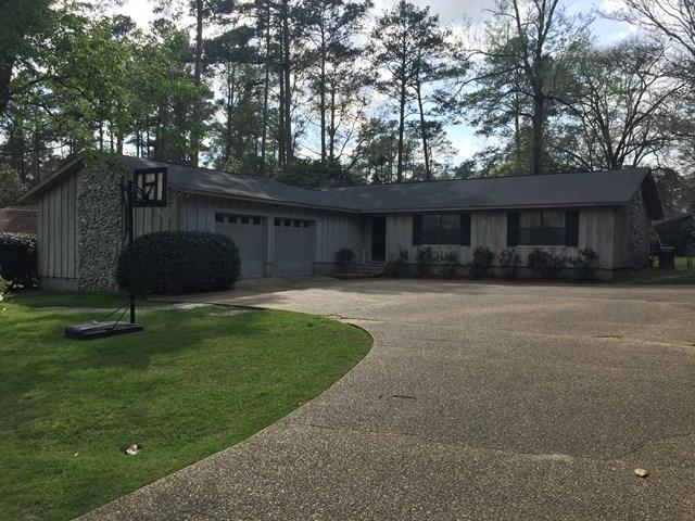 307 Pinetree Blvd, Thomasville, GA 31792