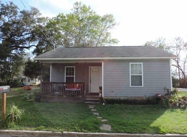 104 Teddy St., Thomasville, GA 31792