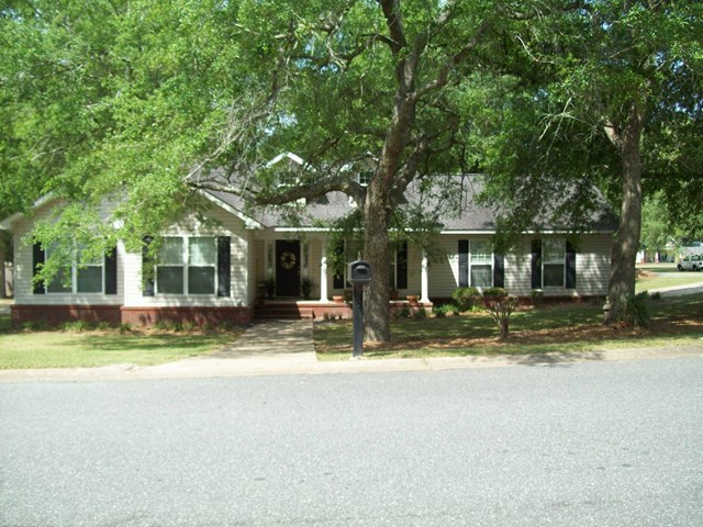 1215 Majestic Ave, Bainbridge, GA 39817