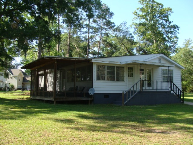 7893 Whiteoak Alley, Donalsonville, GA 39845
