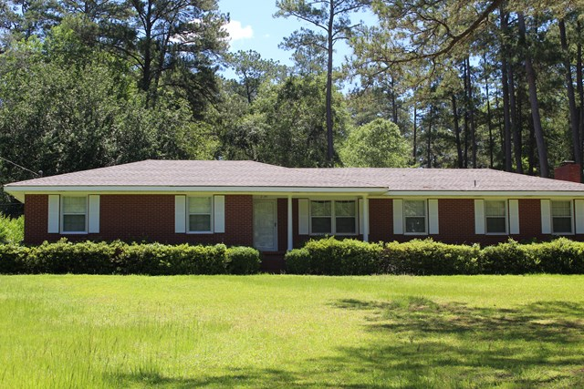 204 Robin Hood Road, Thomasville, GA 31792
