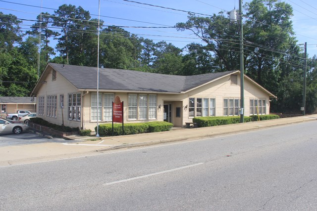 Former Board of Education for Thomasville City Schools.  1.7 acres with approx. 370 feet of frontage on East Jackson.  Zoned C-1.  Two main buildings, with a total of 21,975 square feet.  Office building contains approx. 13,575 square feet with multiple offices, board room, break room, restrooms, and lots of storage space.  Property contains an 8,400 square foot warehouse with loading dock.  Great commercial opportunity, great visibility.  Call for an appointment.
