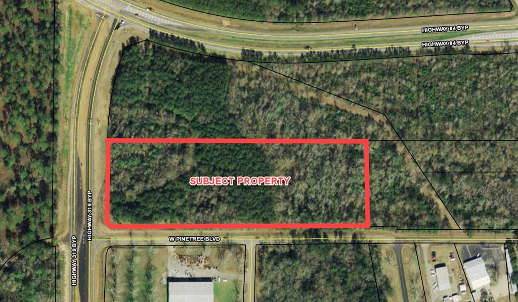 Excellent commercial tract containing 10.78 acres at the intersection of US Hwy 319 ByPass and West Pinetree Blvd in Thomasville Georgia.  Approx 400 feet frontage on US Hwy 319 ByPass and 1,150 on West Pinetree.  Utilities available to site.