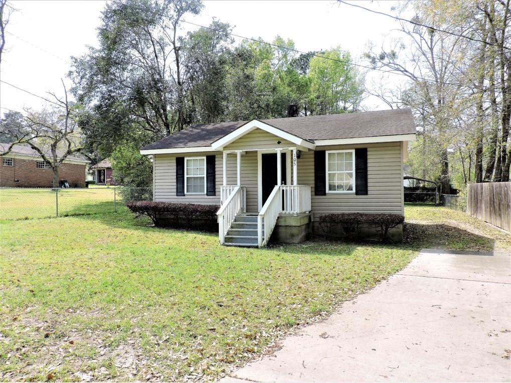 Oh, the possibilities! This cute 2 bedroom, 2 bath cottage is on a quiet cul-de-sac. Great for a starter house or an investor for a rental. It has a newer AC Unit and storage and extra parking in the back.