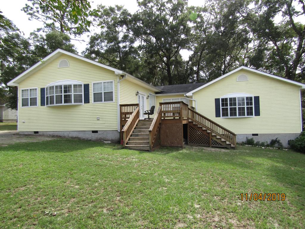Large home will 4BR/3BA located in Lake Riverside Subdivision. HOA fee covers lake access. Located at the end of the road, plenty of privacy and seclusion.