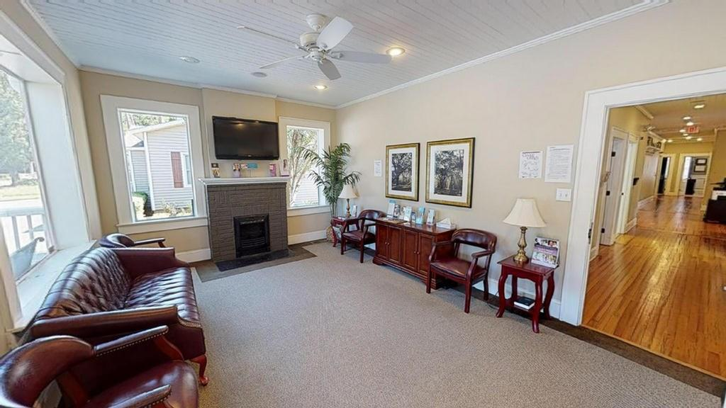 Medical office on Gordon Avenue.  This modern remodeled medical office has a great floor-plan and could easily also be used for other types of professional offices.  The building features a large reception area, front office, office managers office, two bathrooms, two doctors offices, two procedure rooms, two exam rooms, two nurses stations, break room and plenty of storage.  Also offered for sale is a vacant lot for $30,000 mls # 914854  and a two bedroom/two bath home or office for $60,000 mls # 914857.  Both these two additional properties are behind the medical office and front on Rosedale Ave.  Check out the 3D tour that is available under the virtual tour tab.