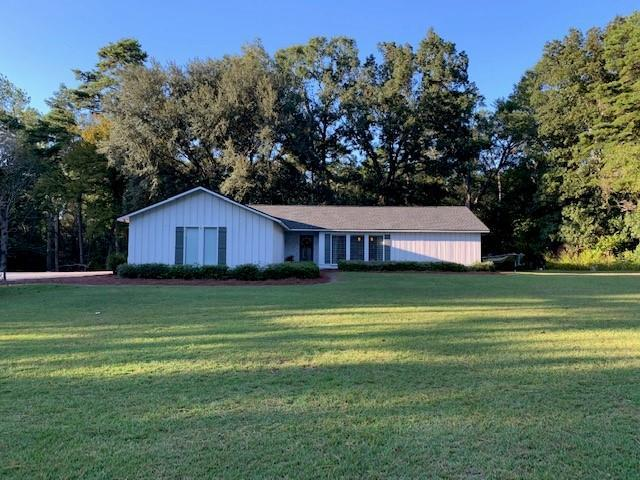 Great home convenient to Tallahassee, Thomasville and Bainbridge.  Three 3 BR, 2 bath, updated home has an open floor plan which is great for entertaining.  New roof and new exterior paint.  Large front yard and a fenced in backyard.  Must come see to really appreciate all the extras.