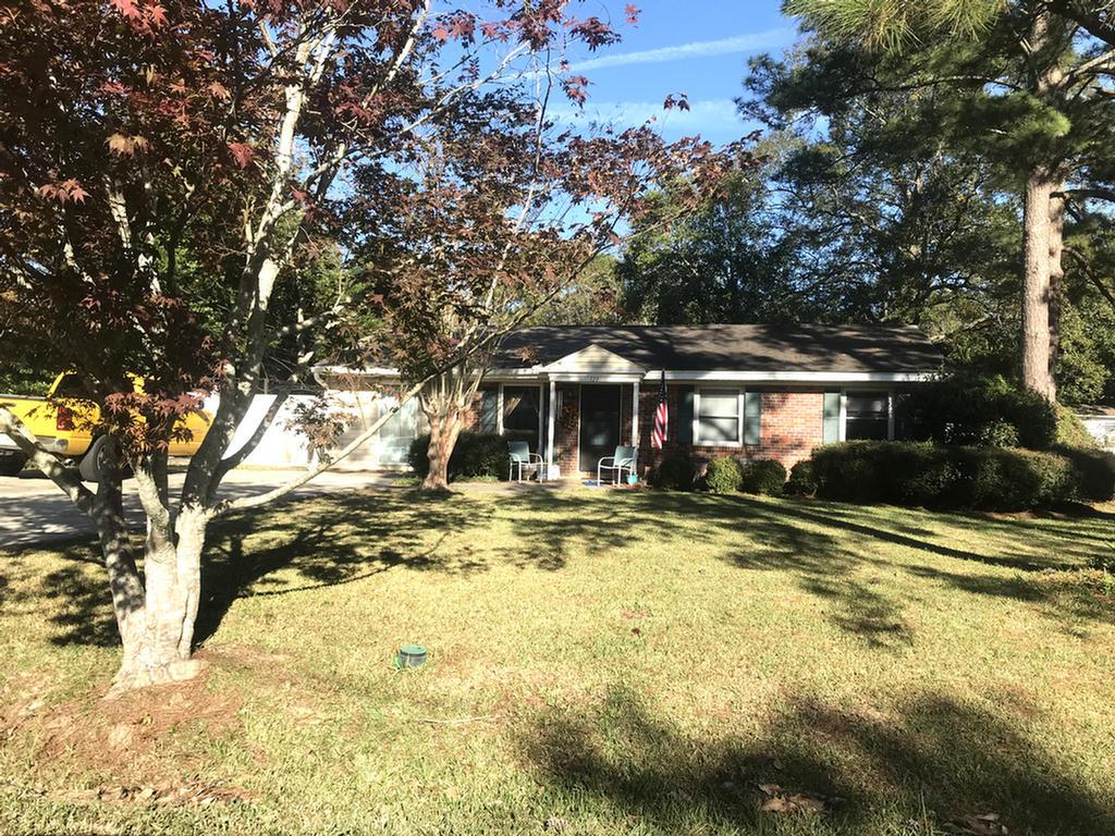 Cute little Brick house with a inground Pool.  Price to sell to young family. 3 bedroom 1.5 bath. Large kitchen features ALL NEW APPLIANCES, and lots of space. Livingroom and 3 bedrooms.  The roof , pool liner, a/c , water heater is all under 3 years old.