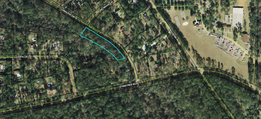 Nice 1.74 ac. residential lot in one of Thomasvilles premier neighborhoods. Survey and Architectural drawing of possible home available on request.