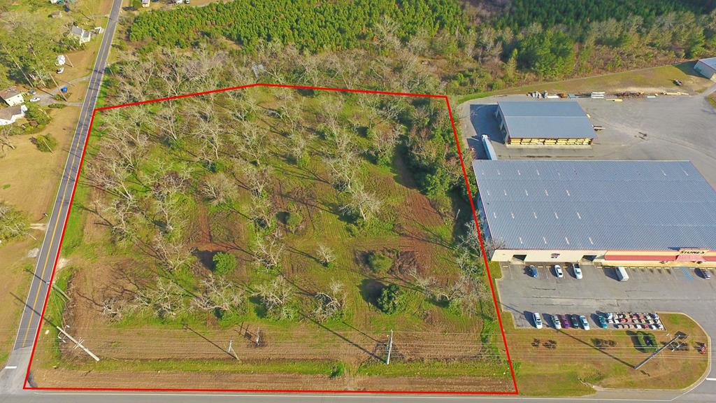 Commercial Acreage. Tract is located next to Stones and has two road frontages. Minutes from downtown Thomasville. Tract is high and dry and has many possibilities. Call agent for more information.
