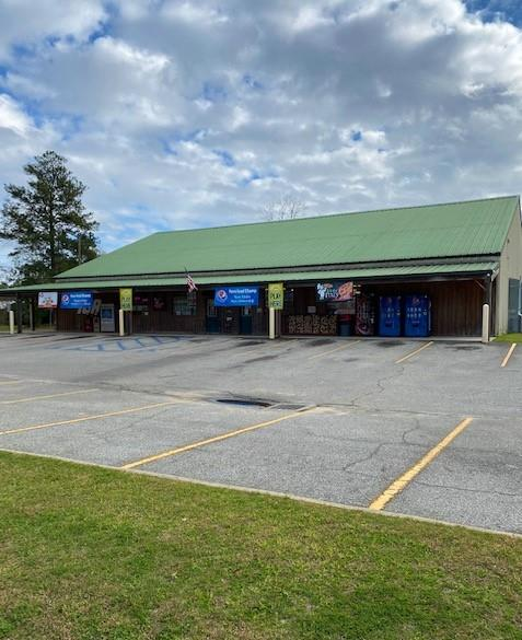 New on the market! IGA Grocery store located in Pavo, GA. This commercial property is ready to go with 27 parking spaces, room to add gas pumps (if needed),1.64 acres, mostly new equipment (included with sale), lottery, full service grocery store in a high traffic area with good income!