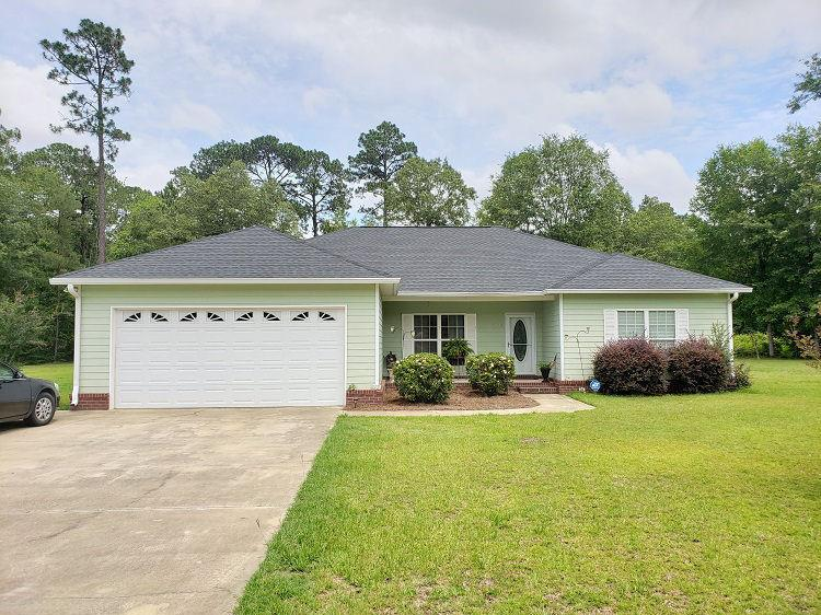 With attention to functionality, this 4 BR, 2 BA split floor plan is a wonderful combination of comfort & style! Located less than 10 minutes from Thomasville, this home is move in ready. Hardwood floors in the main areas and carpet in the bedrooms.  The kitchen has an abundance of granite counters, cabinet space and living room with open floorplan to be enjoyed by all.  Spacious master suite with the master bath has lots of counter space for the  twin vanities, separate shower & jetted tub.  The additional bathroom has been upgraded with custom tile and granite dual vanities also. The bonus room is great for whatever your needs may be from the man cave, lady lounge, or home office.  The back yard was made for entertaining family and friends!  Small cul-d-sac neighborhood so let the kids run loose.  Call today for your private viewing!