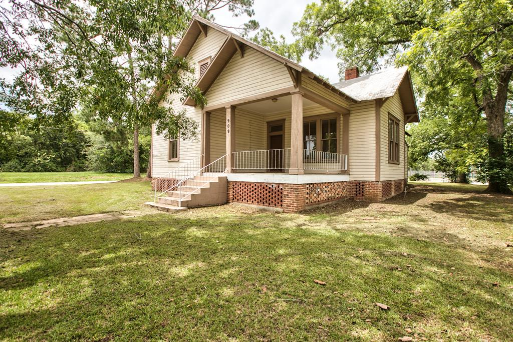 Location approved for 100% USDA financing.  Beautifully restored historic home on double lot. Large master suite with tub, luxury shower and double vanities.  You'll fall in love with the hardwood floors which have been refinished throughout the home.  Make an appointment today.