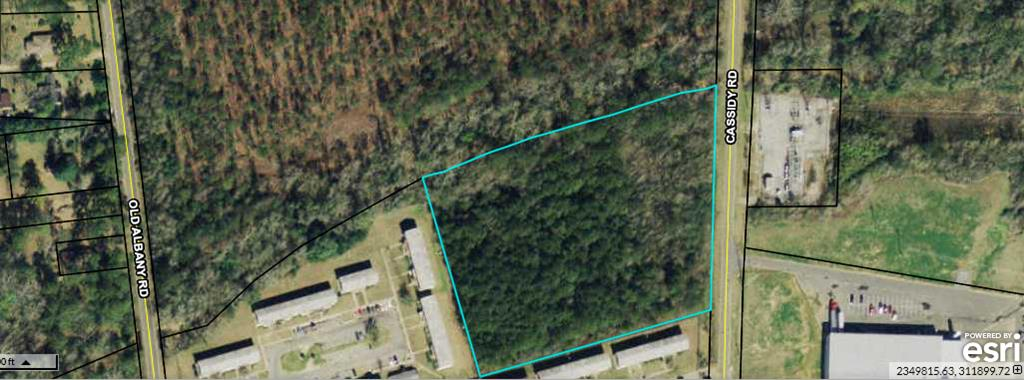 This property is zoned commercial and ready to be built upon! Suitable for duplexes, storage buildings, or whatever else you can set your mind to. Bring all Offers!
