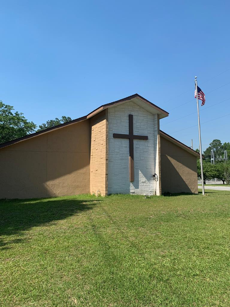 Great starter church, high visibility. There was an addition added to the rear of the building that was used for a food & clothes bank. Building also includes the baptistery, class rooms/offices and a small kitchen/fellowship hall. New roof in 2018 and outside paint in 2019. Call to set up your viewing today.