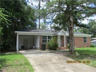Cute totally remodeled 3 bedroom 1 bath home. Updated color palette. Perfect for that small family. New cabinets, new floors and new paint. You will fall in love with this cutie.You need to see this one before you make a decision to buy.