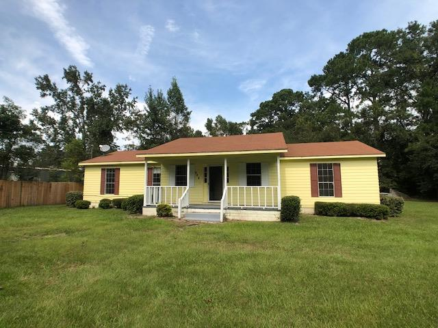 FANTASTIC STARTER HOME, 3 BR, 2 BA FOR UNDER $110,000!!! This 3 BR, 2 BA home includes a large front porch, high end linoleum wood floors throughout and a large stone fireplace in the great room! Home has a 2 car garage and is split bedroom plan. A/C and roof are only 4 years old, home also includes a security system. This property has an extra lot next door that is available for $3,000, its 0.17 acres. This is a wonderful property that is convenient to Thomasville as well as Valdosta!