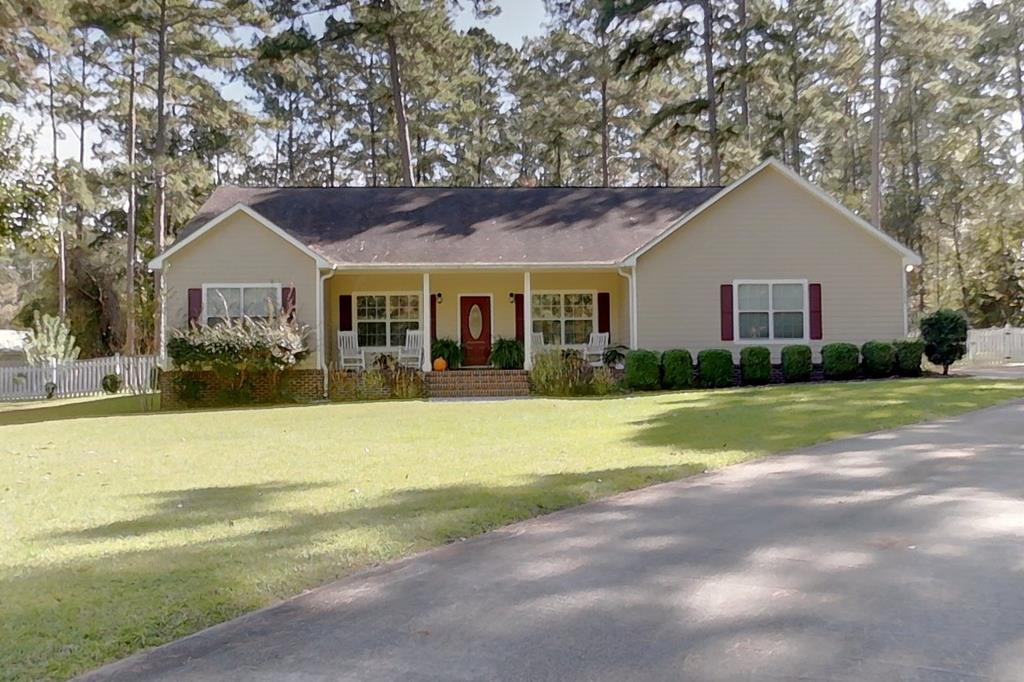 Beautiful home conveniently located between Tallahassee and Thomasville. This 3 bdr/2bth plus office Home is located on a cul-de-sac-lot situated on a 1 acre lot. Remodeled kitchen with new appliances, new Granite counter tops, bar and eat -in Kitchen. Home features large master with walk -in closet. Master bath features double sinks, tile shower and jacuzzi tub. Living room with high ceilings has with fireplace. Harwood floors throughout . Walk in laundry with additional cabinets, 2 car garage and an amazing fenced in back yard with fruit trees ( Apricot, Fig and Blueberries) and covered patio for grilling. A must see. Call today to schedule a preview. Virtual tour and additional pictures to come.