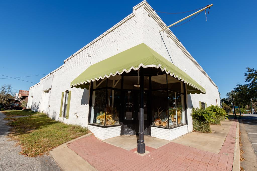 Great historic building with endless possibilities in the popular town of Boston, GA.  Just feet away for the Boston Cafe, these two building are being sold together and would make a great space for any business.  The larger building has a large show room with office space and a large warehouse space.  Call today for an easy appointment.