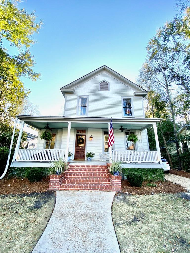 This charming Folk Victorian home in Thomasville's Dawson Street Historic District is a must-see. Close to the Big Oak, downtown shops and restaurants, this 4 bedroom, 2.5 bath home was fully renovated and landscaped in 2018. The master bedroom is on the main floor. Upgraded materials throughout. A must-see!