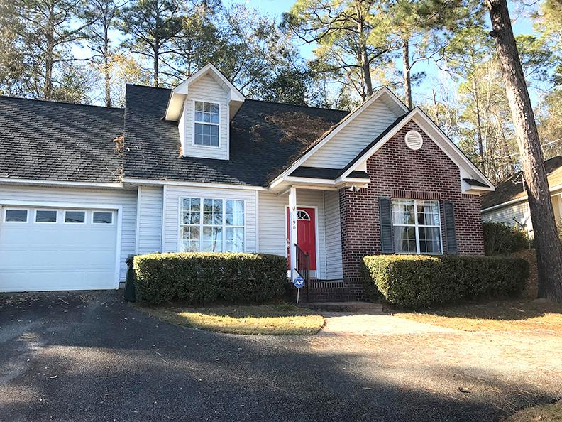 Take a look at this great home in popular Tall Timbers Village. Nice kitchen with hard surface counter tops, main level master suite, 2 bedrooms with Jack & Jill bath upstairs. Screened porch that overlooks private back yard. Low maintenance living at its best!