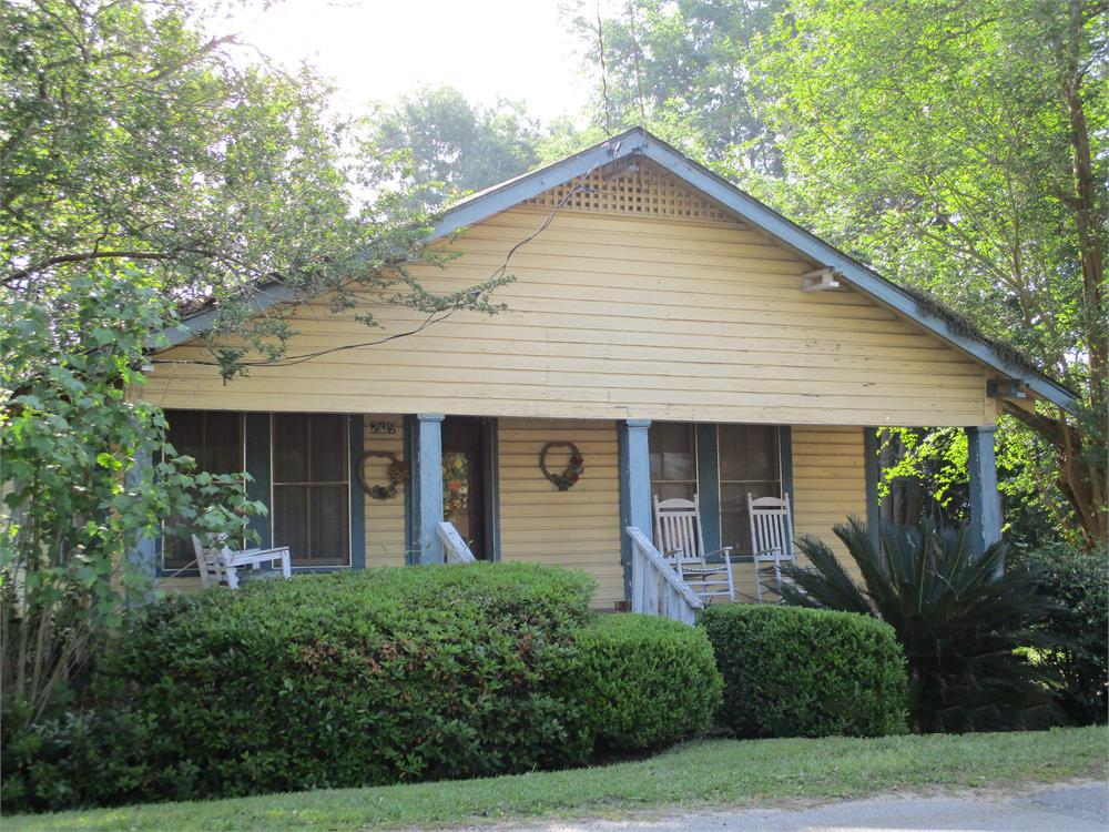 Looking for a project? Here it is! This home is ready to be renovated. Lights are on and it already has central HVAC -- gives you a good start for renovations. This property is sold AS-IS!