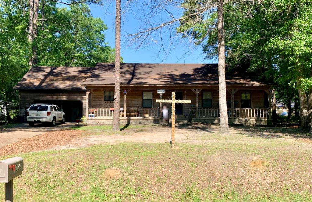 Great location.  Three bedroom / two bath home on Brookwood Drive in Cairo GA.  The home is rented for $750 per month and the tenant would like to stay.  The home is being sold AS IS.  It needs a few repairs.  New ac was installed last year.