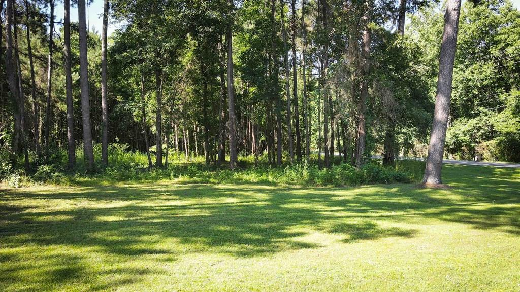 BUILD YOUR DREAM HOME! Residential building lot in Sweetbriar Lakes Subdivision located in Thomas County, GA. This 1.1 acre lot is the perfect backdrop to your custom built home. Close to town and convenient to shopping and schools. Community Water available.