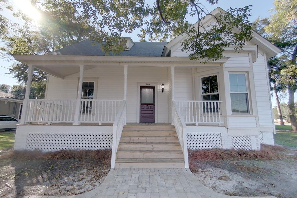 This is the ultimate property in a prime location downtown across from the New Courtyard Marriott within walking distance of downtown.  Can be used for Commercial or Residential and would make a great VRBO or bed and Breakfast. 4 large rooms downstairs and  and additional room upstairs with living area and storage. Recently remodeled with new kitchen cabinets, countertops,  and butlers pantry . 1 bath with stand-up shower and additional space  that could be made into a second bathroom.  Covered front porch and back deck. Space for some parking in the rear and possible options for more.  Call your favorite agent for additional information!
