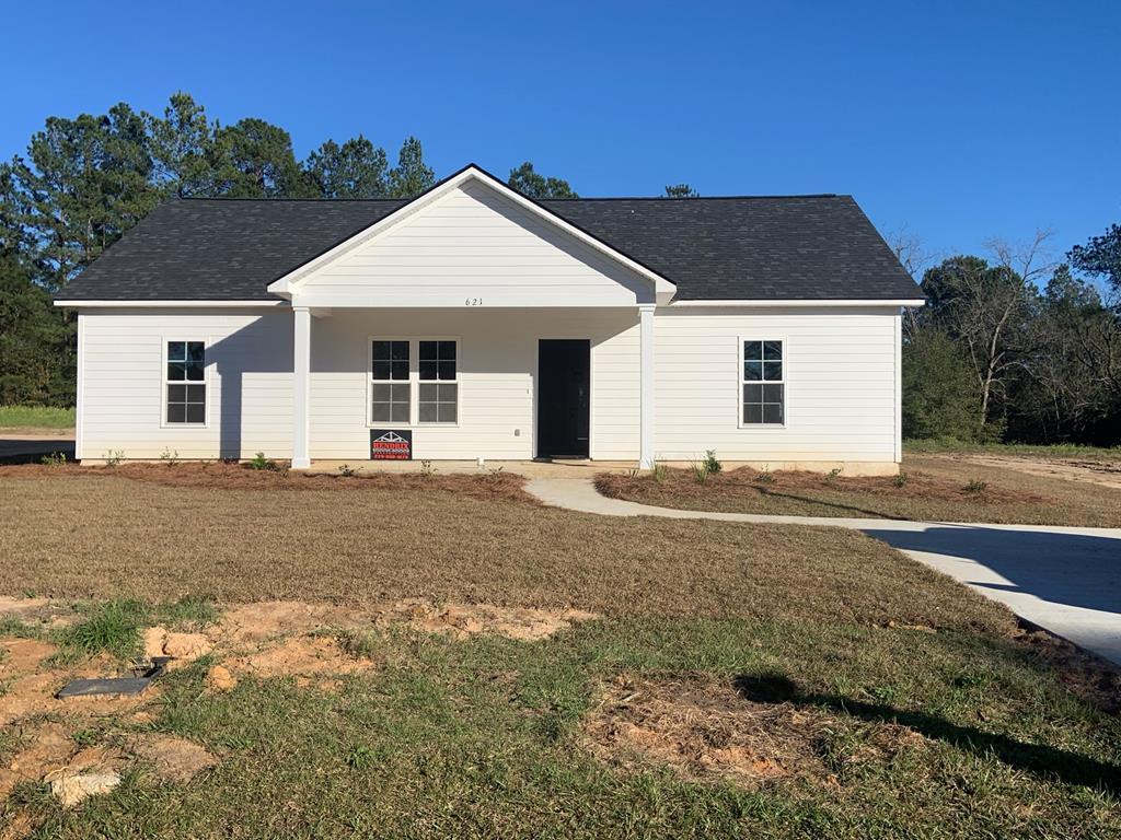 New Construction home scheduled for completion Mid November.  This new construction home is owned by a licensed realtor in the state of Georgia.  License number 106345.  3 bedroom, 2 bath home, awesome laundry room with ample interior storage,  convenient to the local grocery store, churches and ball fields and parks.  See plans attached for details.  Specifications coming soon on colors, granite, flooring, tile and cabinets.  Price, Plans, Specifications, Colors, Materials, etc. are subject to change. Please inquire with an agent for details.  Local recreational fields are one block from this home and multiple churches, shops and eateries are within walking distance.