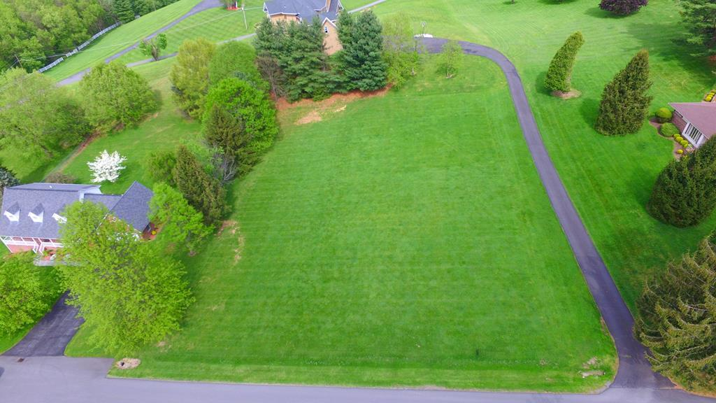 READY TO BUIILD?? BRING YOUR PLANS AND CHECK OUT THIS BEAUTIFUL 1+- ACRE LOT WITH WATER AND SEWER AVAILABLE!! ALL LEVEL WITH BREATHTAKING VIEWS!! LOCATED IN ONE OF OUR MOST PRESTIGE SUBDIVISIONS, SUNSET HILLS!!