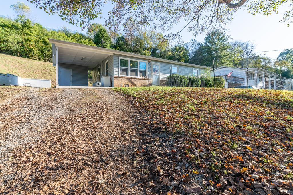 RECENTLY REMODELED HOME JUST OUTSIDE THE TOWN OF CHILHOWIE. THIS HOME WAS REMODELED IN 2016 TO INCLUDE THE FOLLOWING: A NEW HEAT PUMP, REPLACEMENT WINDOWS, NEW DOORS, NEW FLOORING, NEW SHEET ROCK AND NEW KITCHEN CABINETS. THE PROPERTY ALSO FEATURES A CARPORT WITH A SMALL STORAGE AREA. LOCATED JUST MINUTES AWAY FROM LOCAL AREA SCHOOLS.