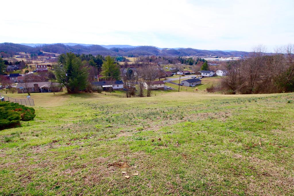 Great building lot with beautiful views of White Top located in well established Southview Estates. This lot would be ideal for a home with a walkout basement and a large back deck to sit and take in the views. Modulars welcome, but no mobile homes. Motivated Seller will consider any reasonable offer. Owner/Agent