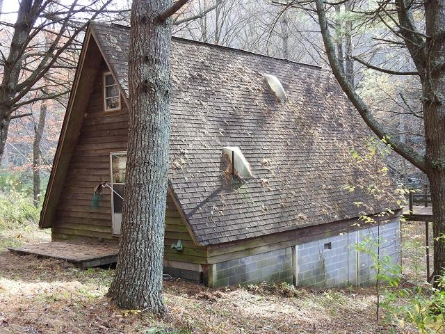 Rustic cabin situated on 18.575 private acres in Carroll County close to the Blue Ridge Parkway! Perfect hunting retreat or just a weekend get away with lots of wildlife and a stream. Minutes from amenities.